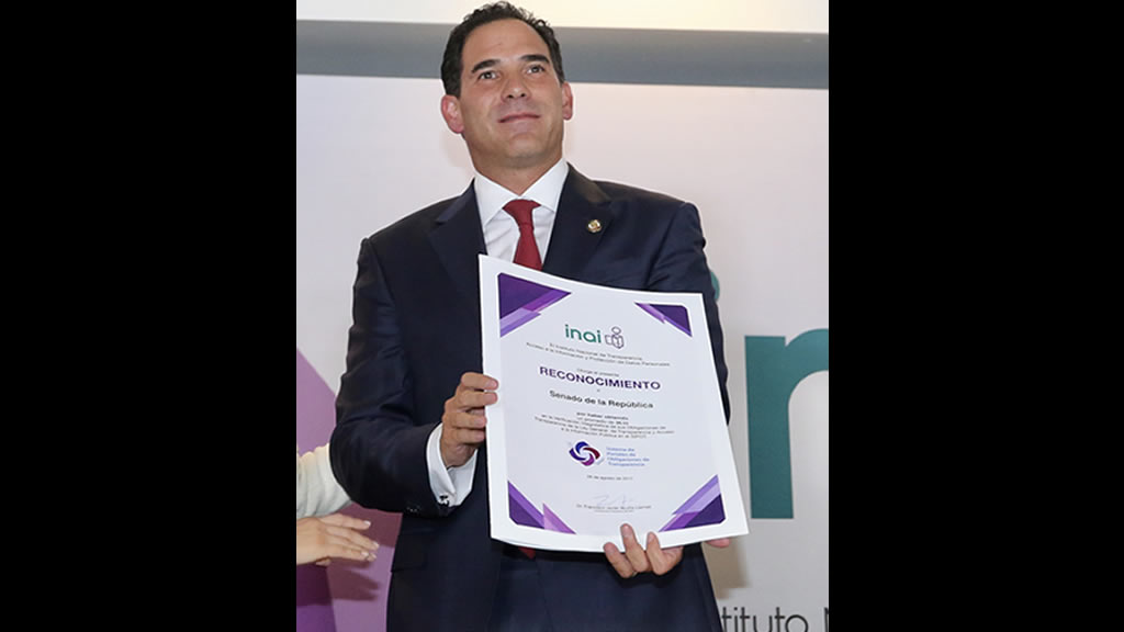 Pablo Escudero va por el cien por ciento en transparencia