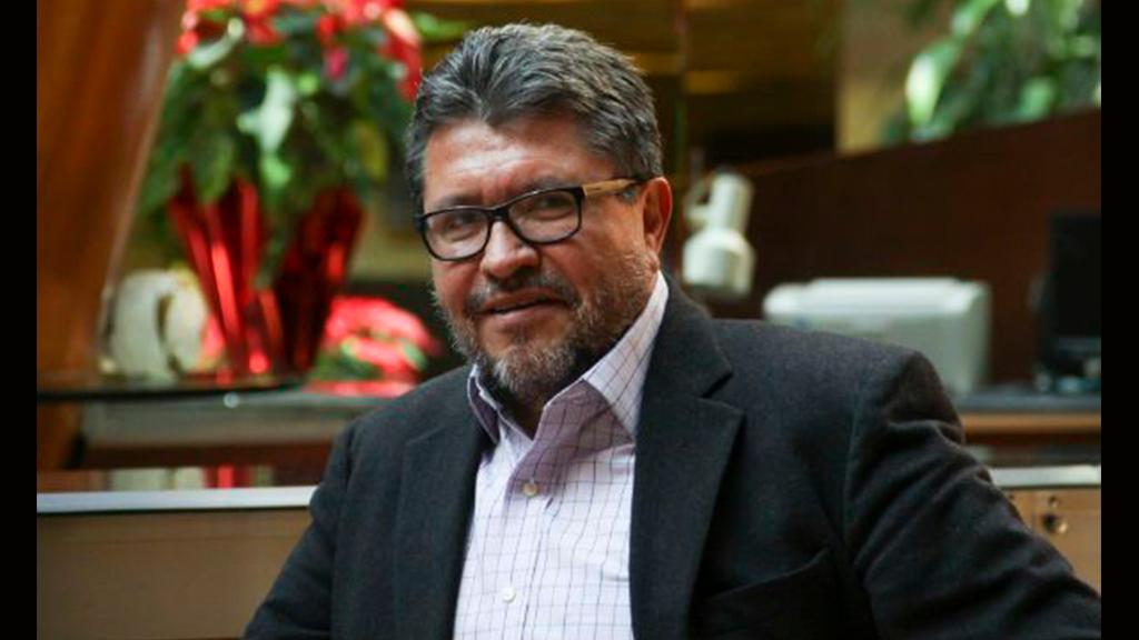 El look de velador de Ricardo Monreal
