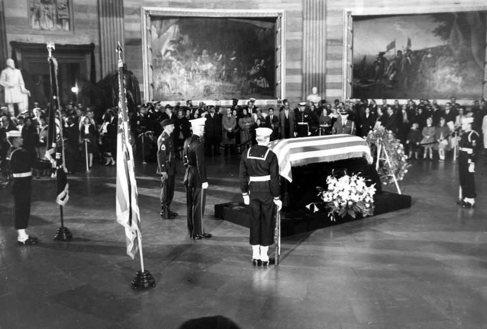 John F. Kennedy 8