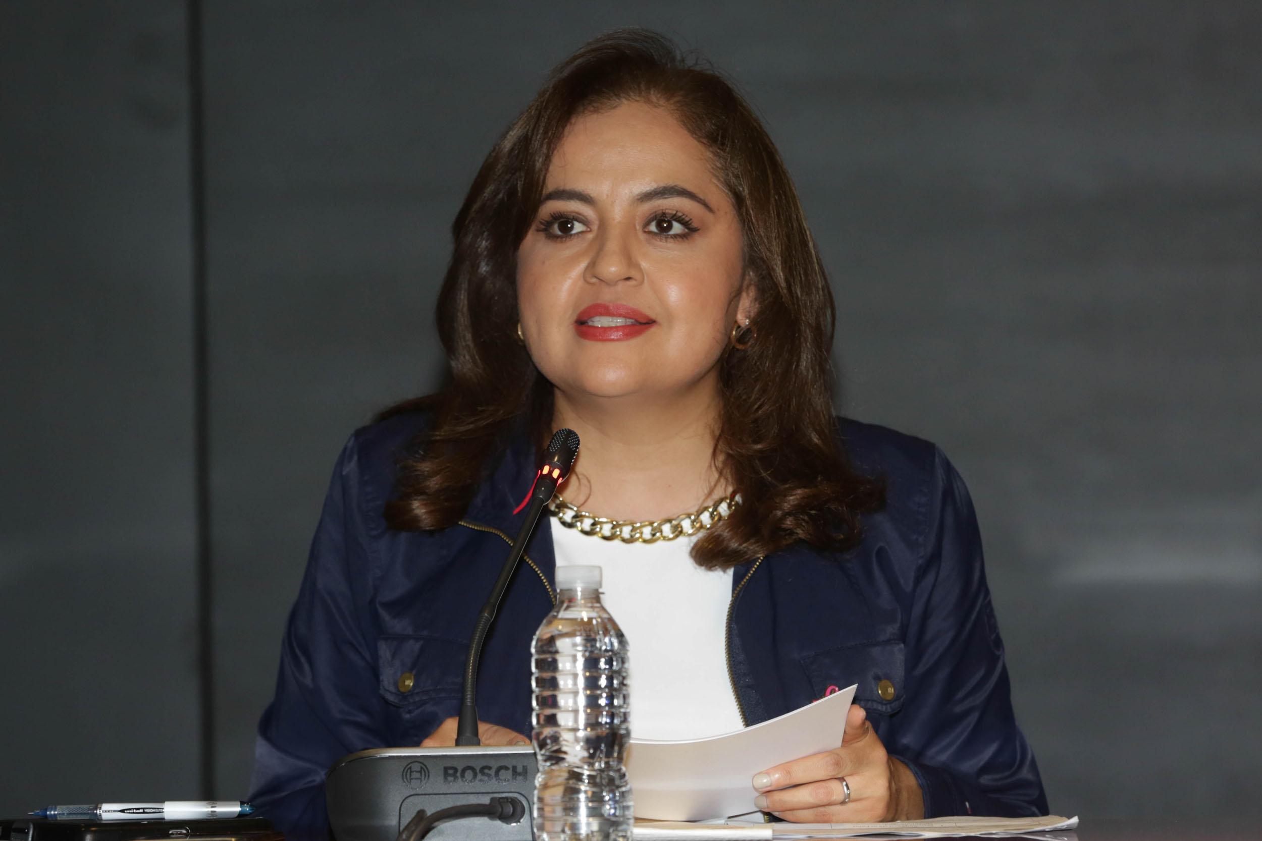 Ana Guezmes 4