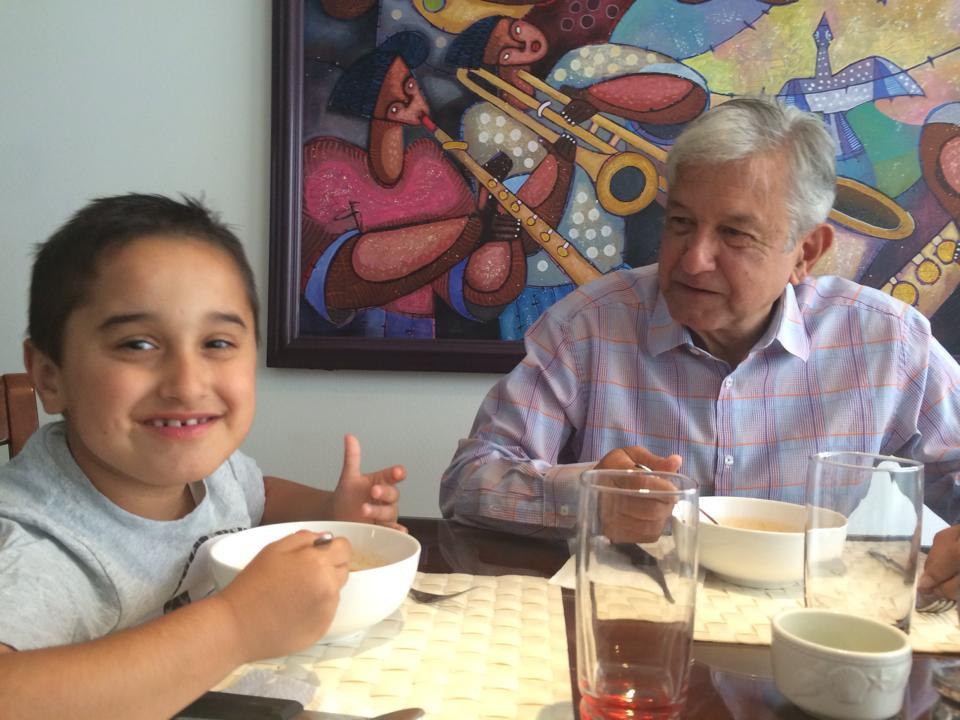 papa Andres Manuel 5