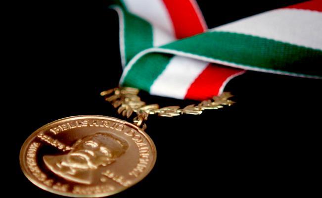 Medalla Belisario Dominguez 4