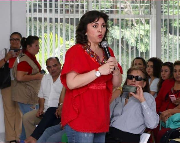 IVonne Ortega rojo4