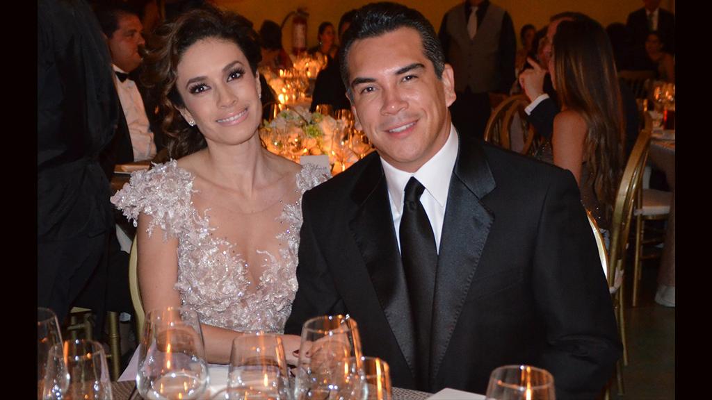 El sexto aniversario de casado de Alejandro Moreno