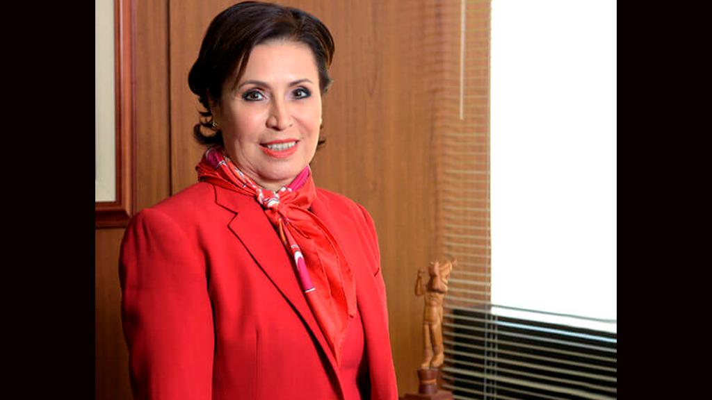 Rosario Robles llega a los 62 años de edad