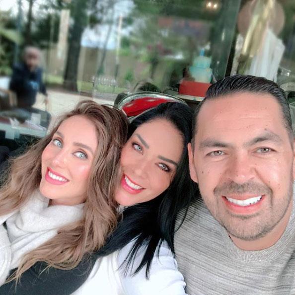 La esposa de Manuel Velasco 6
