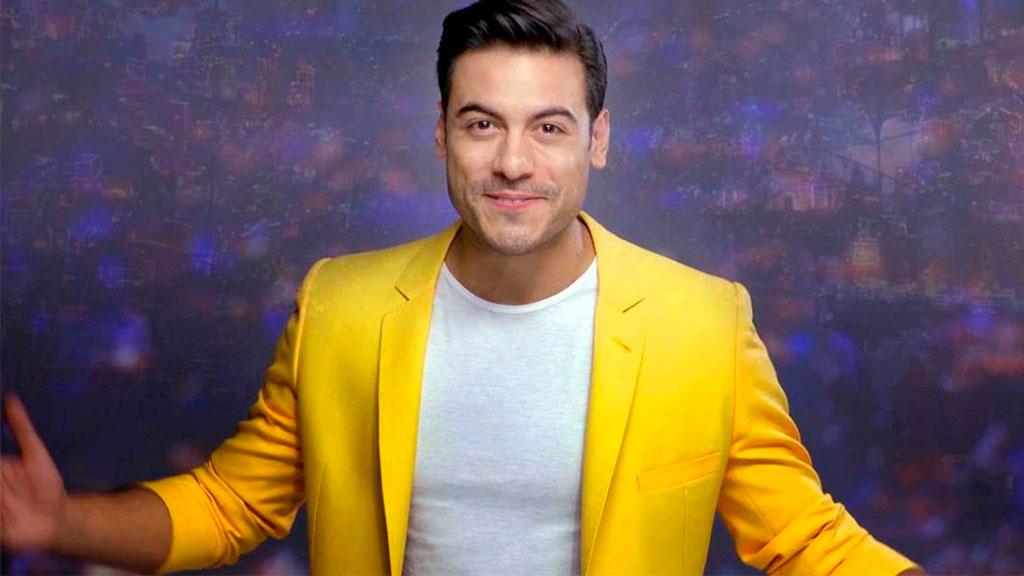 A qué política le desea éxito el cantante Carlos Rivera