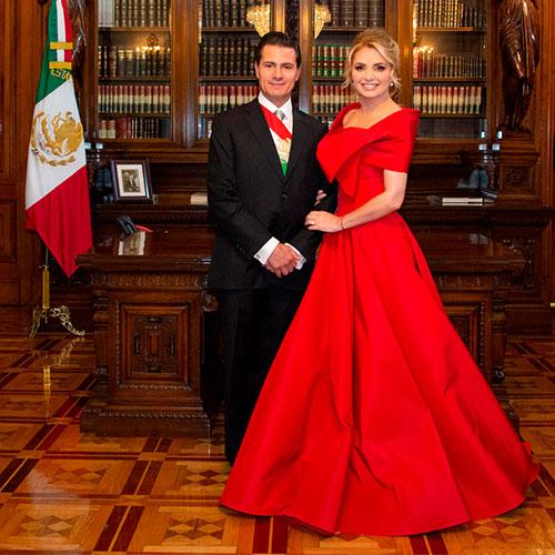 Los vestidos con los que Angélica nos hizo dar El Grito (en el cielo)