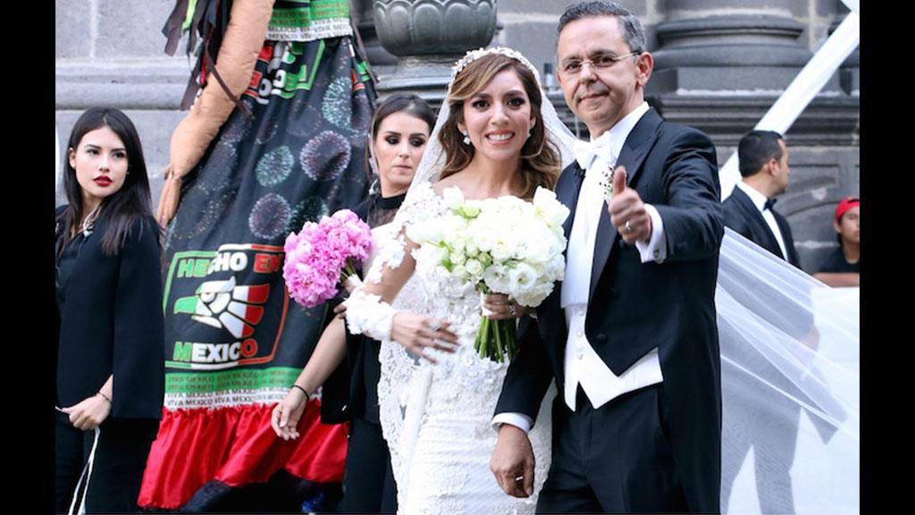 El vestido de novia de Dulce María, esposa de César Yañez