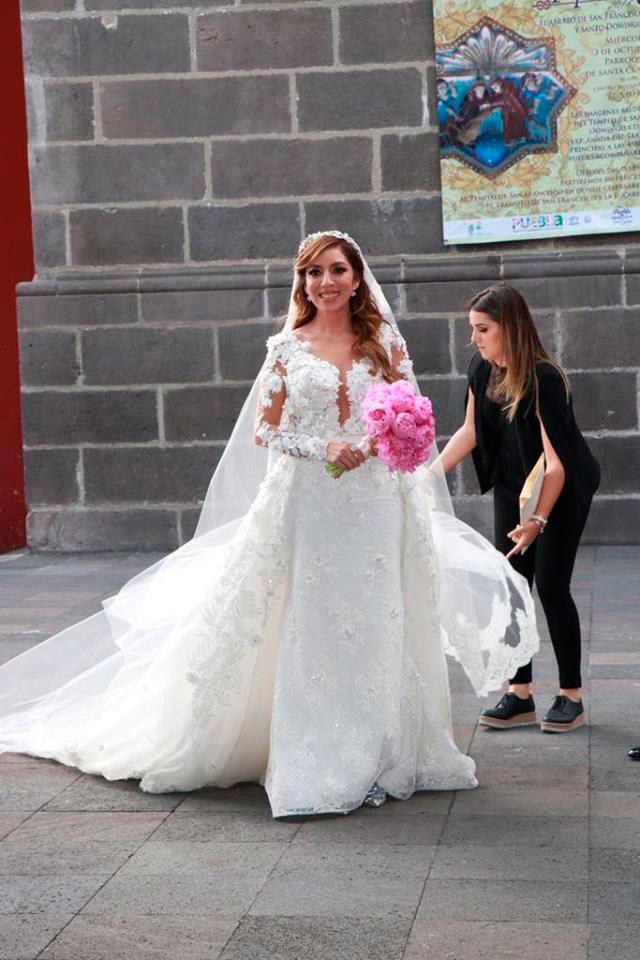 vestido de novia de Dulce Maria 4