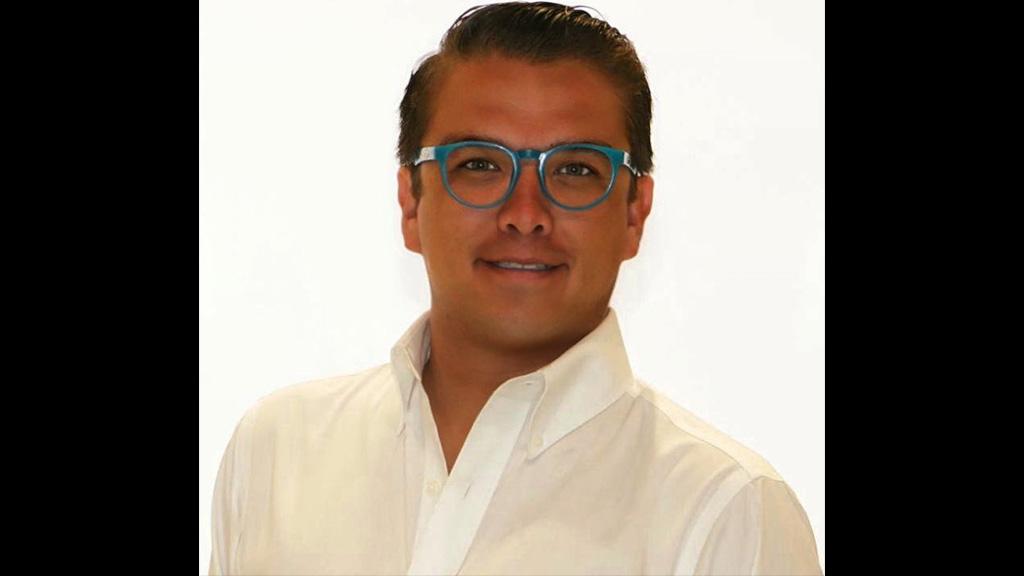 Gerardo Islas, el soltero del Congreso de Puebla