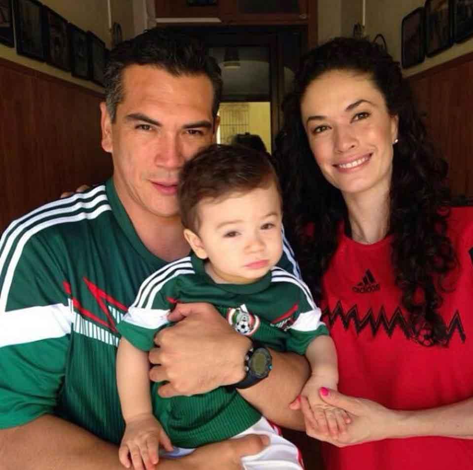 familiares de Alejandro Moreno 20