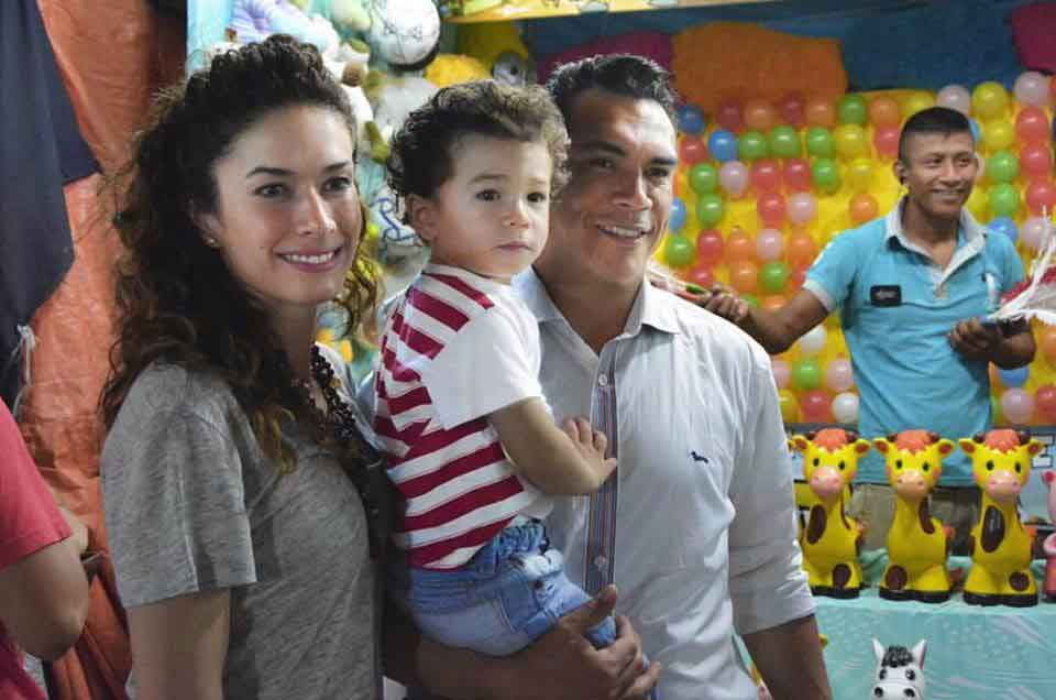 familiares de Alejandro Moreno 26
