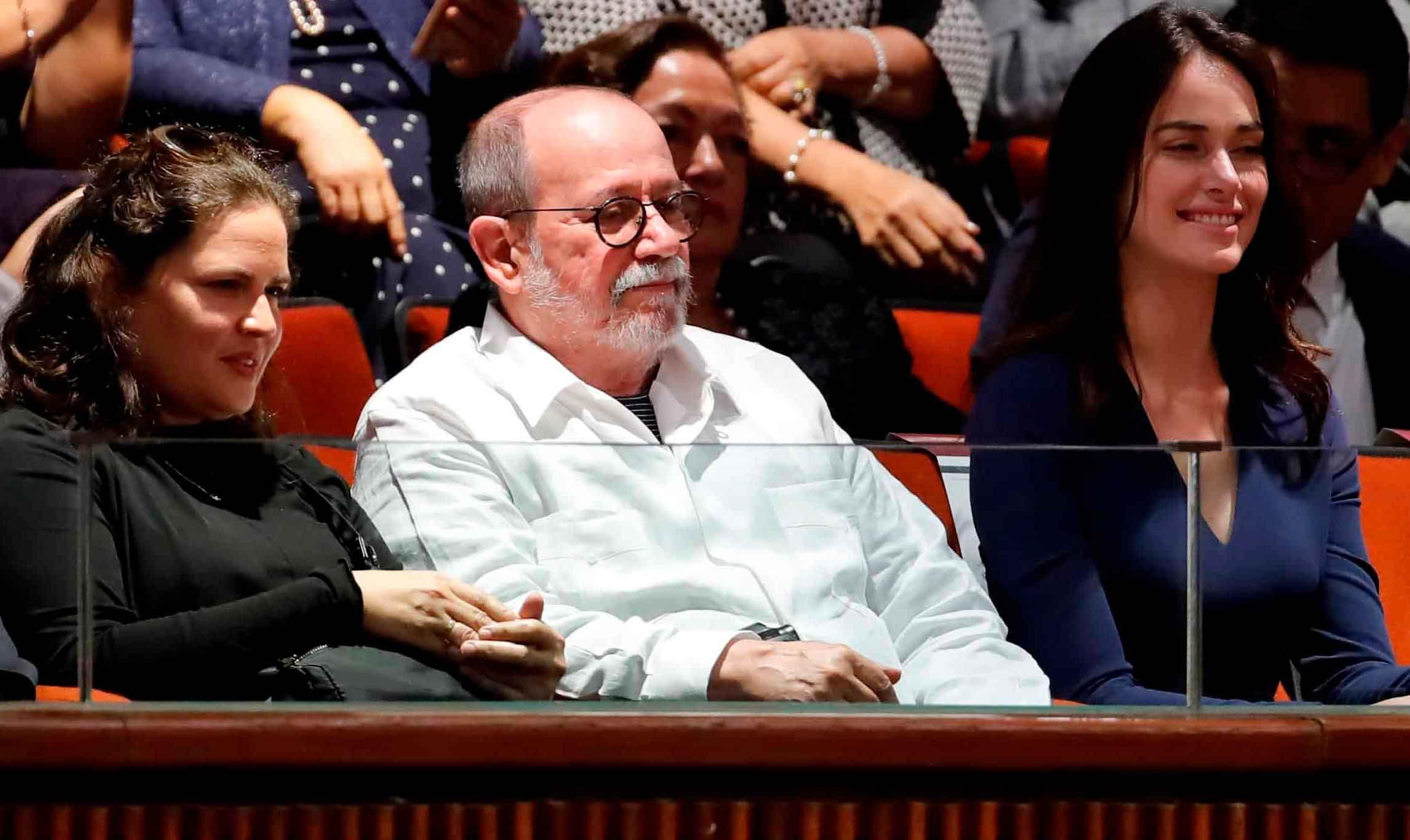 Andres Manuel Jr e Irene Esser 4