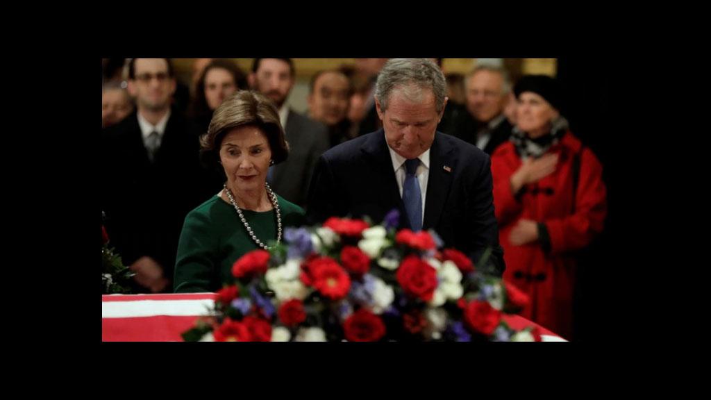 Carlos Salinas de Gortari asiste al funeral de George Bush