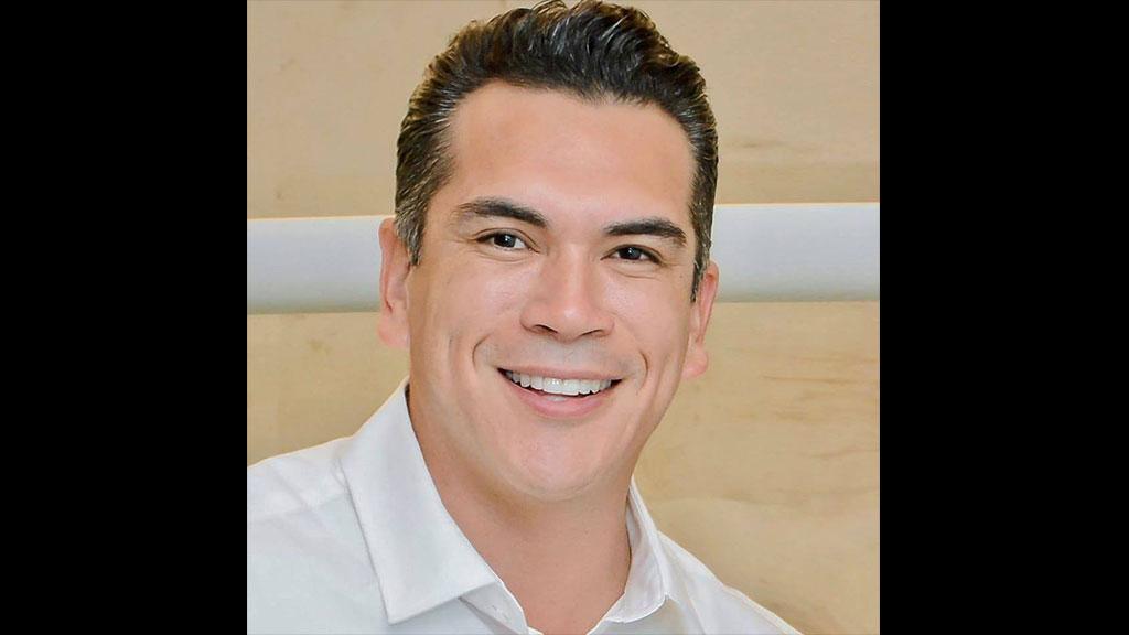 Por qué sonríe Alejandro Moreno Cárdenas