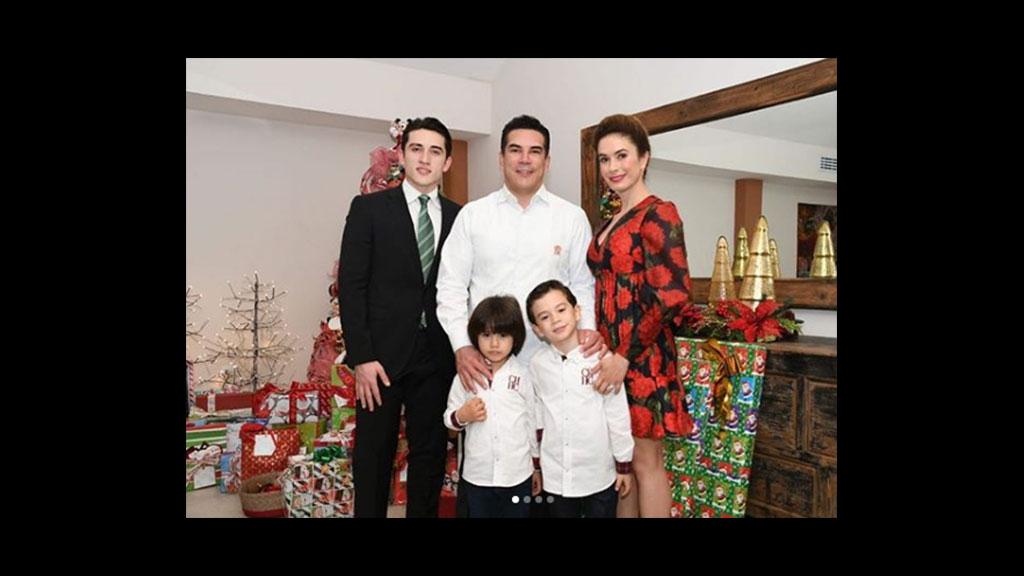 Así pasaron las fiestas decembrinas Alejandro Moreno y su familia
