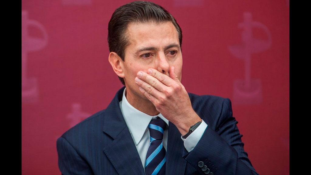 Captan a Enrique Peña Nieto con una modelo en España