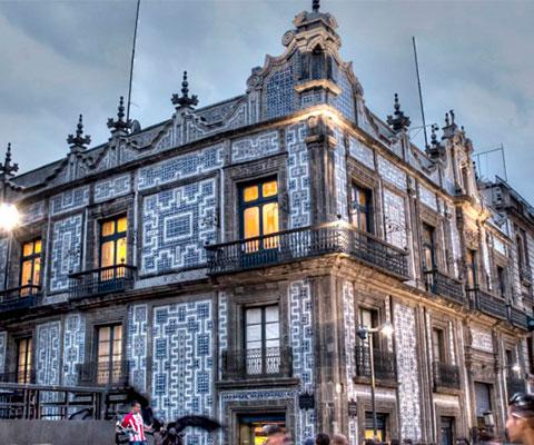 Visita los palacios de la Ciudad de México de noche