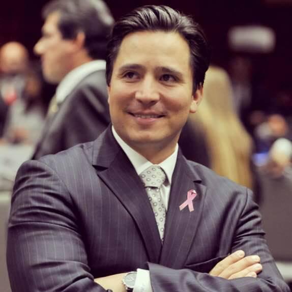 Juan pertenece a las comisiones de Economía, Energía y Gobernación (foto: Facebook).