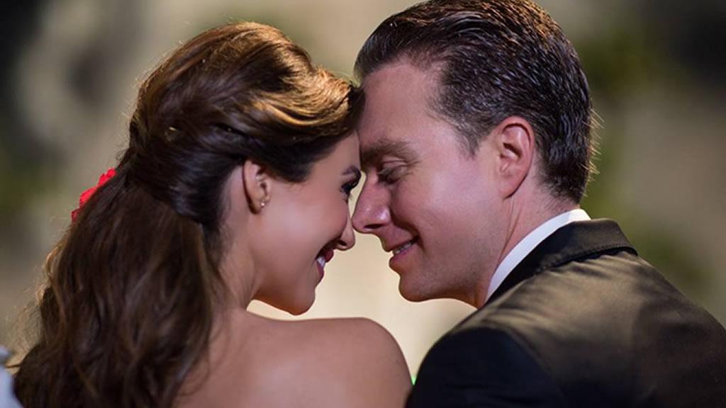 Las nuevas imágenes de Manuel Velasco con Anahí embarazada
