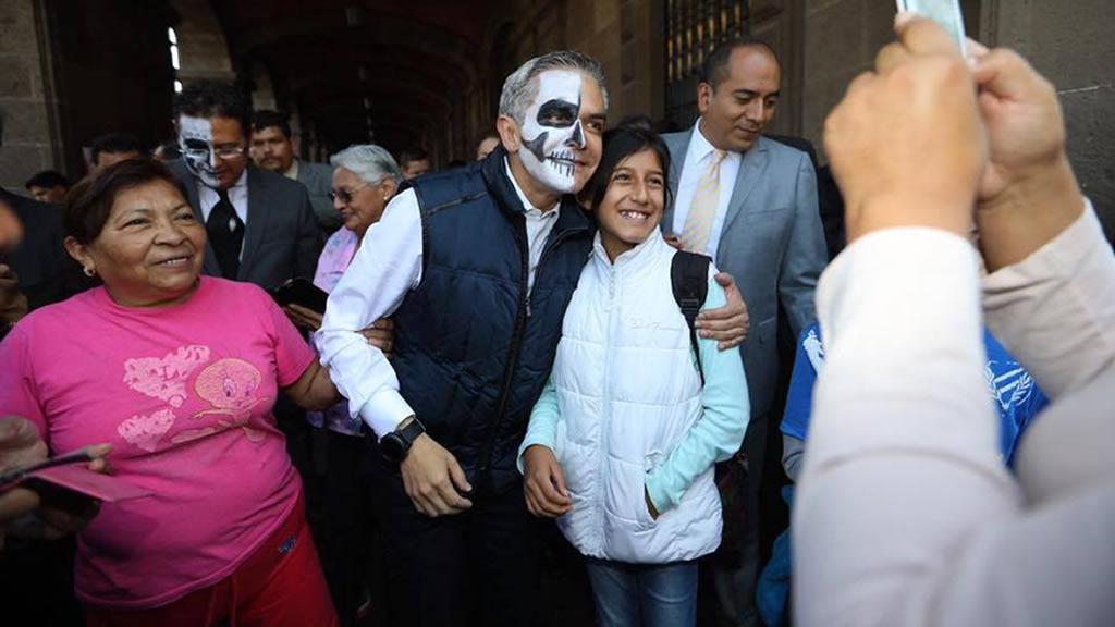 Los políticos que se sumaron al festejo del día de muertos