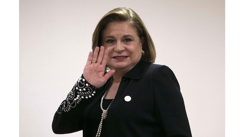 Quiénes felicitaron a Arely Gómez