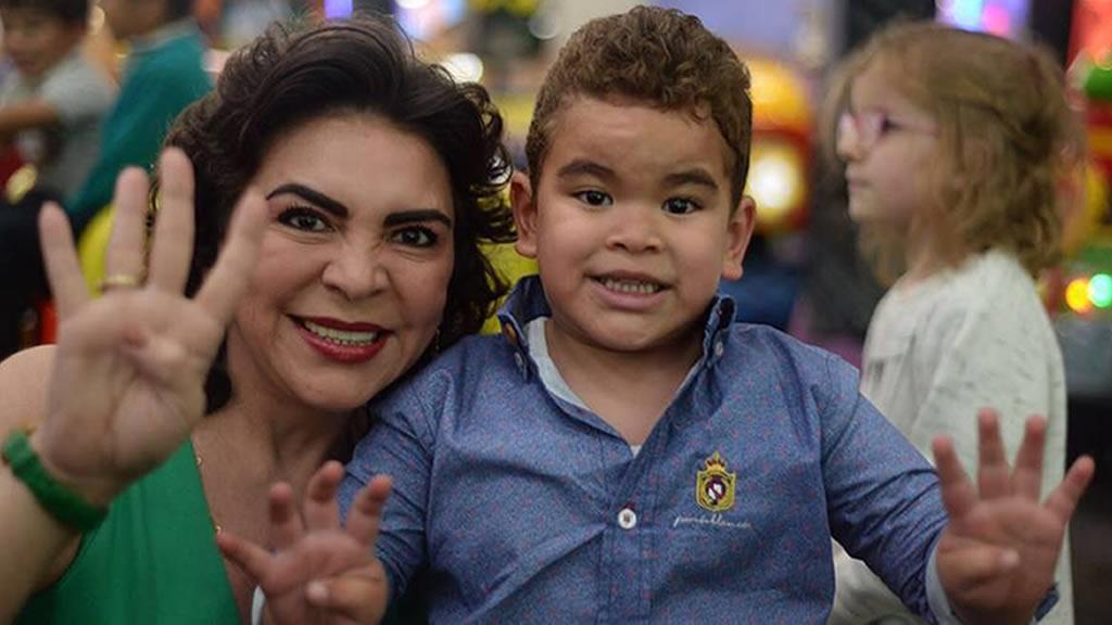 Ivonne Ortega le celebra sus primeros 4 años a Álvaro Humberto