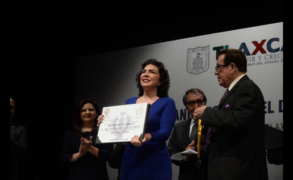 El Honoris Causa de Ivonne Ortega Pacheco