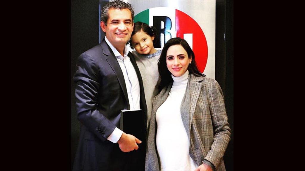 Nace el segundo hijo de Enrique Ochoa Reza y Greta Rojas [FOTO]
