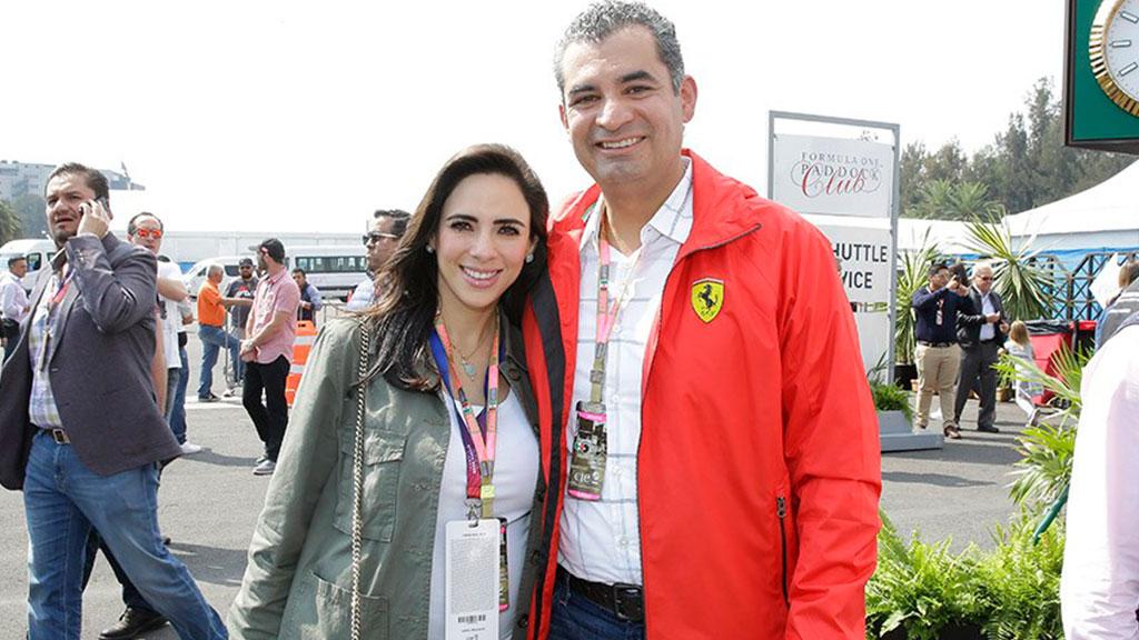 Reaparece la esposa de Enrique Ochoa después de tener a su bebé