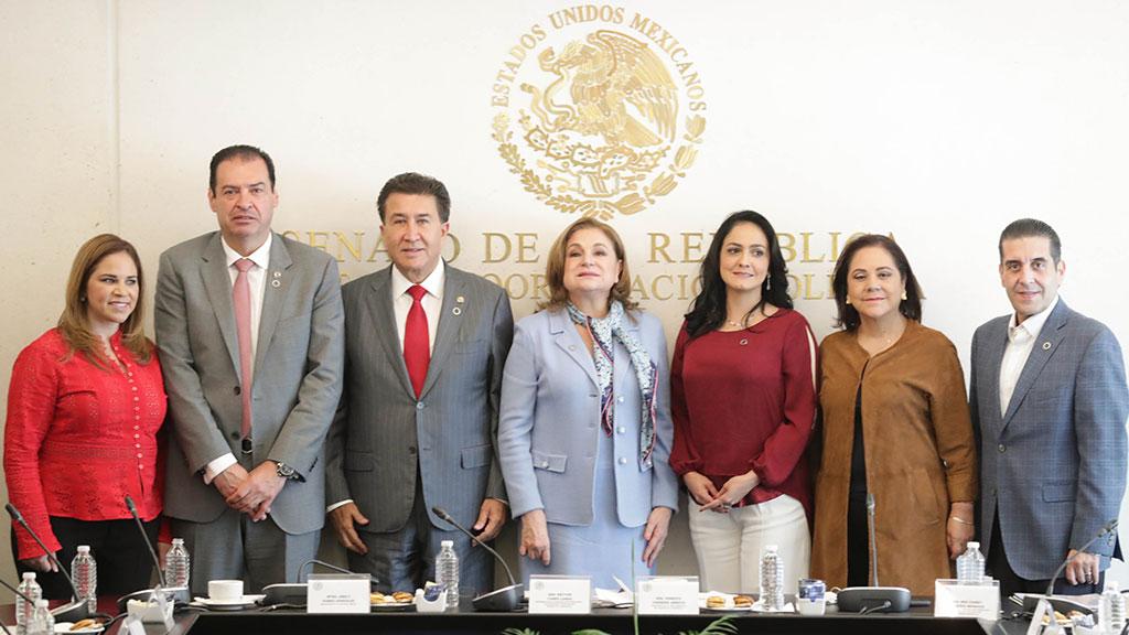 Arely Gómez rinde informe a la Cámara Alta del Congreso