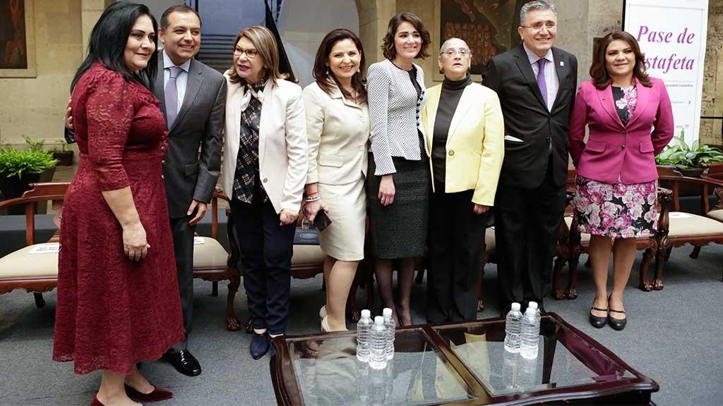 Legisladoras salientes y electas se reúnen para marcar agenda
