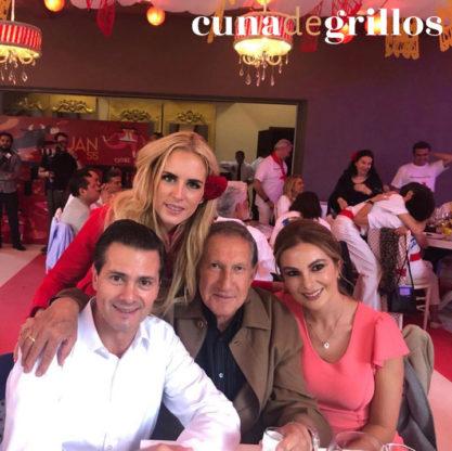 Tania junto a Arturo Montiel