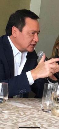 Ángel Osorio Chong tiene vitiligo