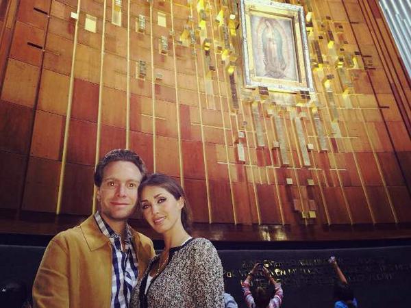 Manuel Velasco y Anahí en la Basílica de Guadalupe