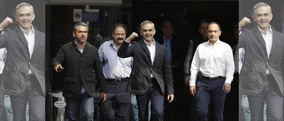 Miguel Ángel Mancera sale del hospital