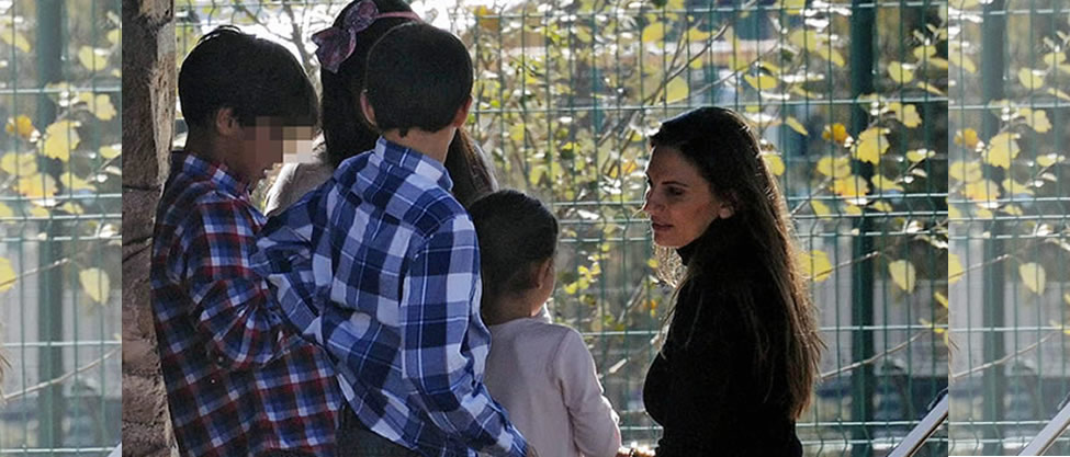 Maude Versini se reecuentra con sus hijos