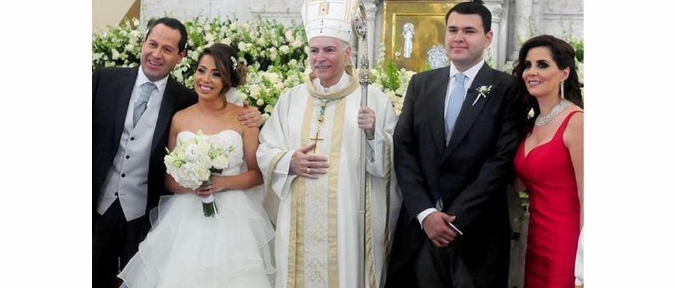 Se casó Isis Ávila