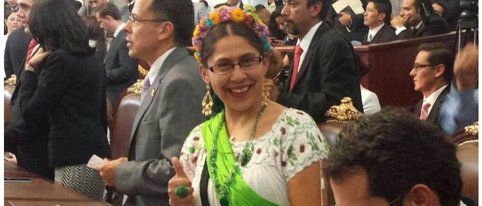 Eva Lescas, la Frida de la Asamblea