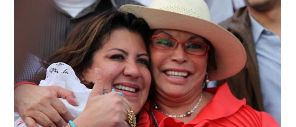 Políticos lamentan la muerte de Mónica Arriola